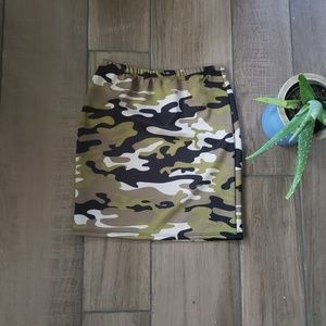 Dresses & Skirts - Boutquie green camo mini skirt bodycon M